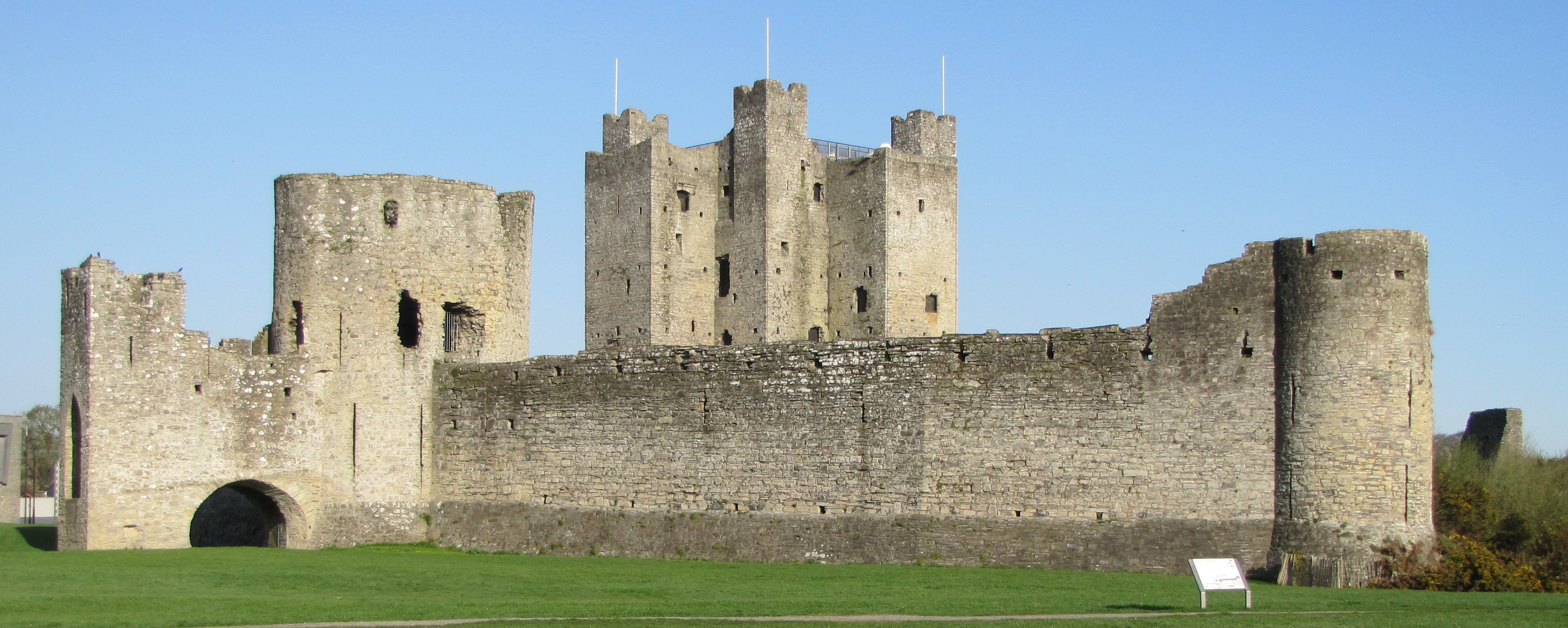 Trim Castle to Open One Month Early!!!!! – StockHouse Restaurant